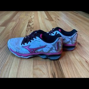Mizuno running sneakers